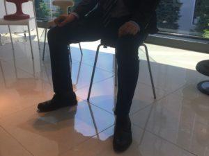 アーユル・チェアーの正しい座り方